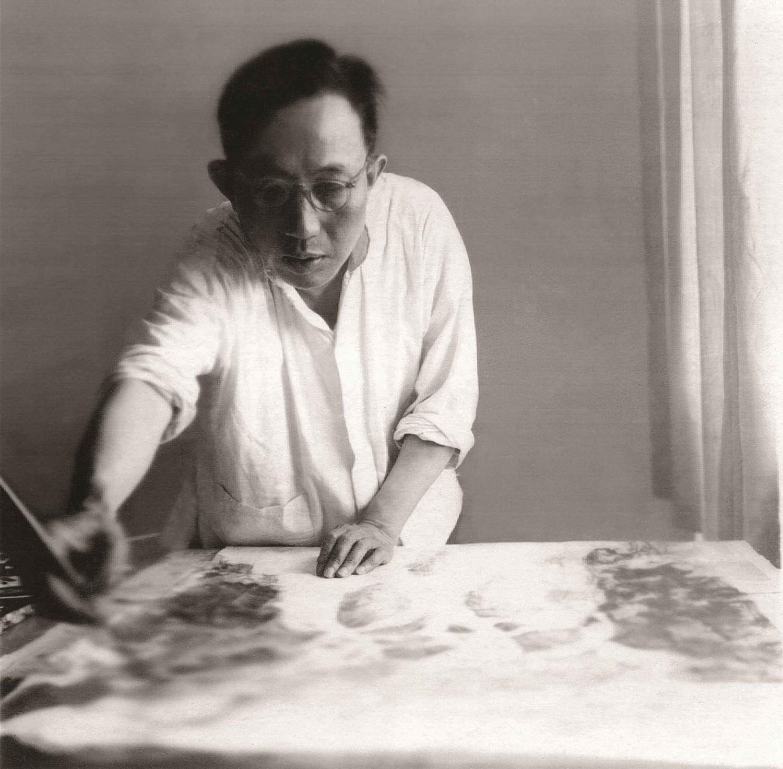 傅抱石1961年在东北作画