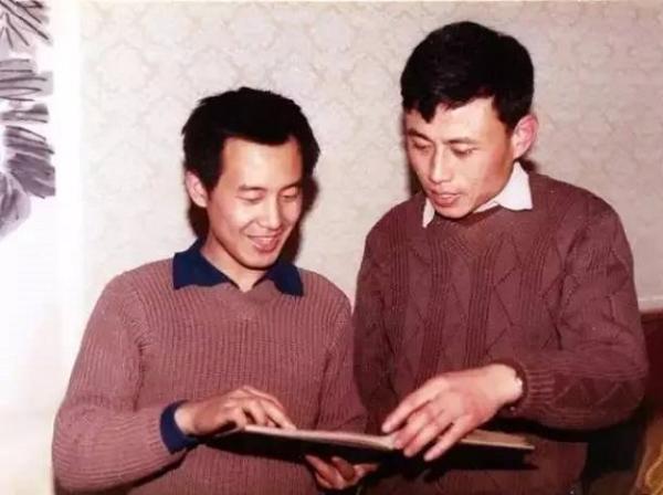 1981年春,华人德(右)与白谦慎(左)于北京友谊宾馆
