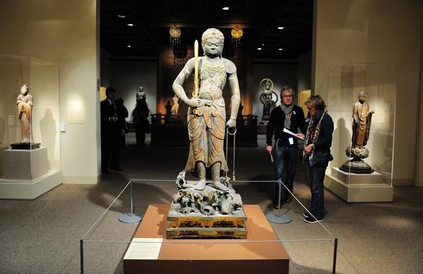 大都会博物馆日本展厅的入口。图片采集自情枭的黎明论坛帖。 缩图
