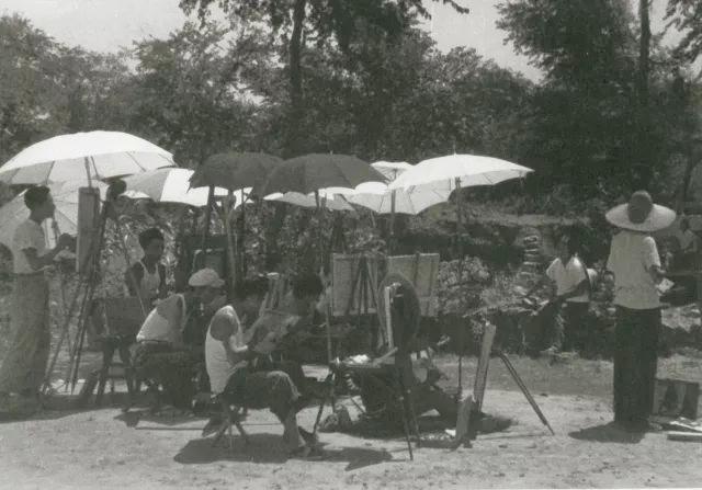 1956年马克西莫夫油画训练班在农村作外光作业 副本2