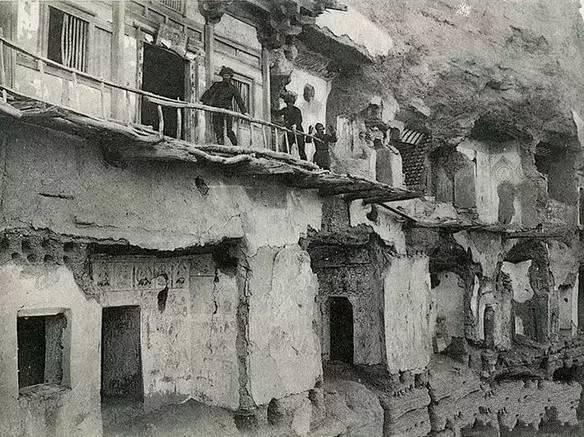 1907年时的莫高窟