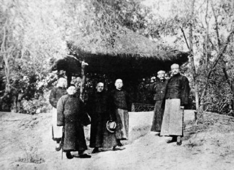 1934年宣南画社成员在中山公园来今雨轩的合照